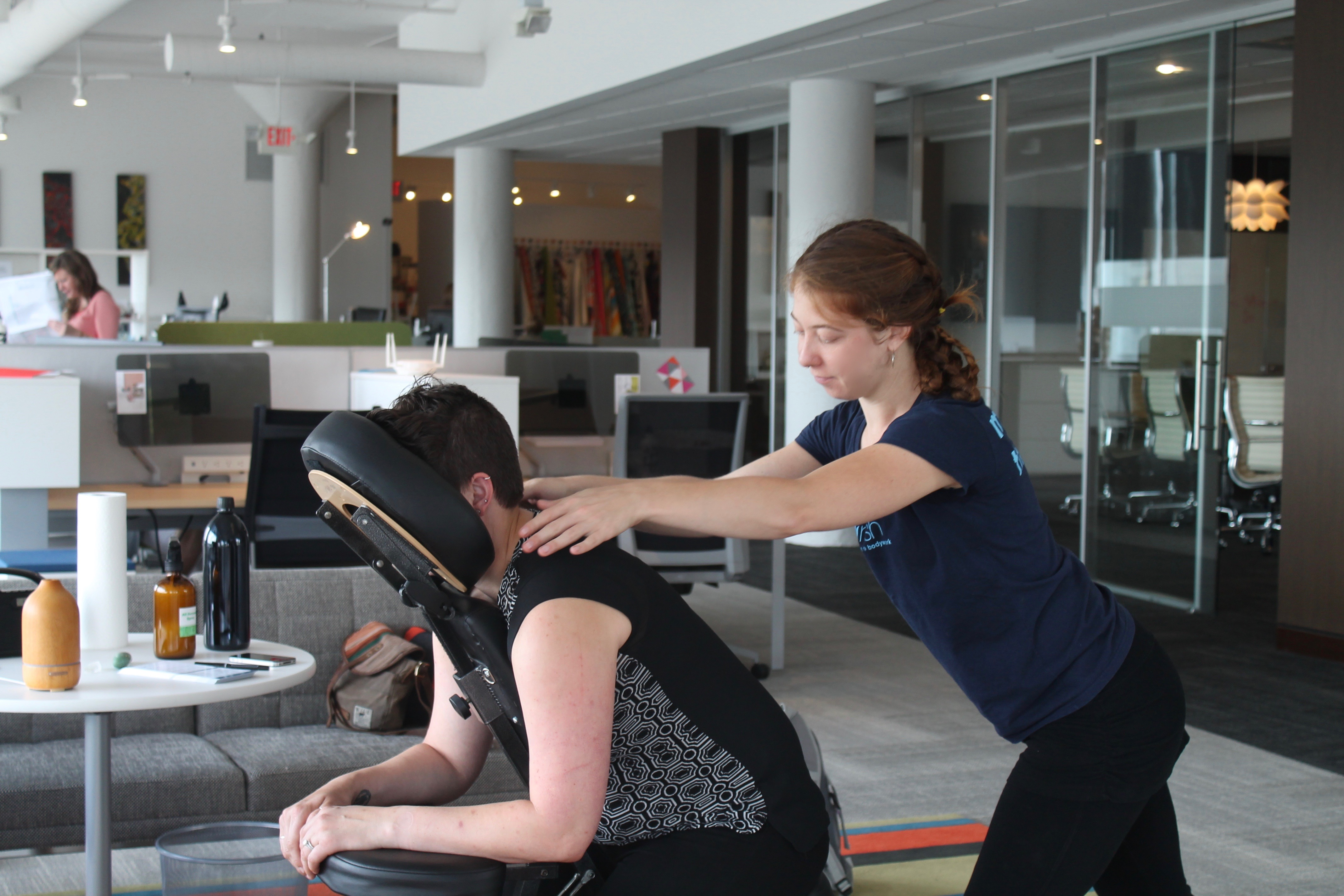 Chair massage therapy - Corporate Chair Massage Events Call Now To Schedule